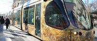 Arriva in Francia il tram firmato da artisti e stilisti