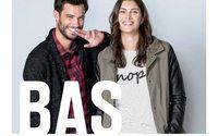La marca de moda BAS suma presencia en Uruguay por partida doble