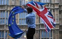 UK business lobby urges 'transitional' Brexit deal