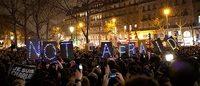 为法国哀悼 时尚界各大品牌设计师誓言抵抗恐怖主义