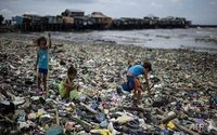 Plastic particles from clothing are clogging oceans