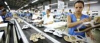 Emprego indústrial em queda, destaques negativos: calçados e couro