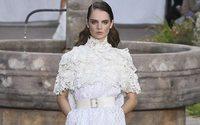 Nonostante la pandemia, la settimana della Haute Couture parigina si gode una rinnovata vitalità