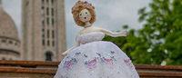 Estilistas criam bonecas para leilão beneficente