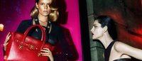 Versace: la nuova campagna con Stella Tennant tra forza e seduzione