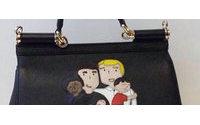 Dolce&Gabbana sorprenden con creaciones con dibujos de familias homosexuales