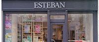 Le parfumeur Estéban retrouve la rue des Francs-Bourgeois