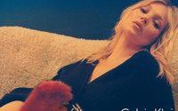 Kate Moss, Margot Robbie y Bella Hadid en la nueva campaña de Calvin Klein