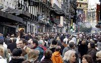 El tráfico peatonal aumenta en un 1,14 % en las calles españolas debido a las rebajas