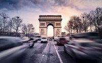 La Fashion Week di moda Uomo di Parigi debutta in un contesto esplosivo