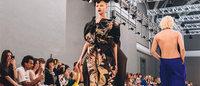 Haute Couture: Margiela tra nylon e specchi ai piedi
