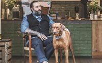 Alice & Logan bietet Accessoires für den Partnerlook von Hund und Herrchen