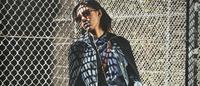 Revista J'N'C sugere múltiplos layers com jeans