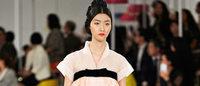 シャネルが韓国の民族衣装を再考 モダンな現代服に