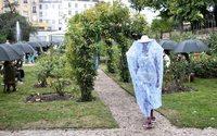 Kenzo protecteur, Hermès sensuel : la mode à Paris cherche à rassurer