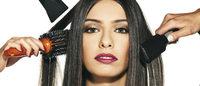 """No Rio, """"Outubro Rosa"""" arrecada cabelos para confecção de peruca"""