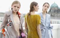 Zweiter Tag der Fashion Week ist durch neue Show-Konzepte bestimmt
