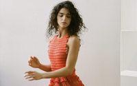 La Haute Couture virtuelle débute sous un déluge d'images, de surprises et d'émotions