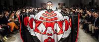 山本寛斎40年の集大成 ロンドンV&A博物館で日本の伝統と美をテーマにショー