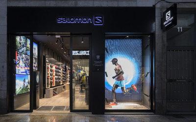 57993b940e2 C-Mod ouvre sa première boutique à Paris - Actualité   Distribution ...