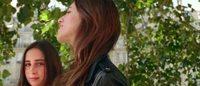 Comptoir des Cotonniers : premières images de Charlotte Gainsbourg et de sa fille Alice pour la prochaine campagne