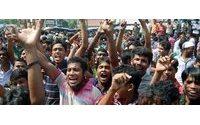 Encerradas 200 fábricas têxteis no Bangladesh devido a protestos
