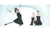 Chanel lança campanha de inverno flutuante