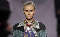 Ion Fiz conmemora sus 15 años en la moda con un desfile en el Guggenheim