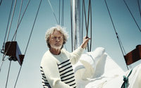 Bryan Adams inszeniert Rutger Hauer für Gaastra