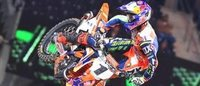 Oakley becomes official eyewear sponsor of supercross race series