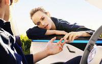 Mercedes-Benz setzt Fashion Story mit Amber Valletta um