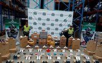 Decomisan más de 2,2 millones de dólares en calzado de contrabando en Colombia