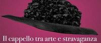 Palazzo Pitti Firenze : 'pioggia' di cappelli griffati