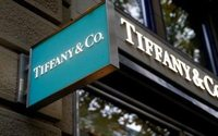 Tiffany's lackluster sales disappoint in first quarter