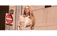 H&M revela os cliques de sua campanha com Lara Stone