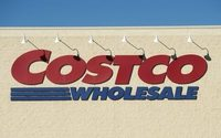 Costco's profit beats estimates on higher store traffic