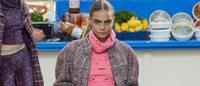 Chanel va a la compra con elegantes modelos deportivos