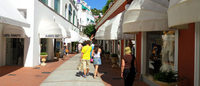 A Capri accessori di marchi contraffatti in boutique: sequestro