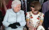 La prima passerella della regina Elisabetta II