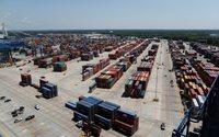 Chinese imports to U.S. ports start peaking early amid tariff threat