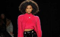 Versace propone nuove interpretazioni dei suoi vecchi classici a New York