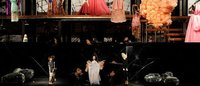 El interior del hogar y un teatro de marionetas visten pasarela de Sao Paulo
