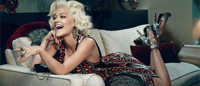 Rita Ora encarna Marilyn Monroe em campanha para Roberto Cavalli