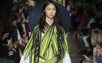 Paris Fashion Week: Elie Saab torna ai ruggenti anni '90