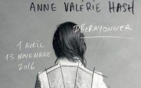 Anne Valérie Hash reçoit le Grand Prix du livre de mode 2017