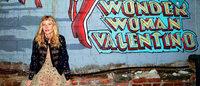 Goop e Valentino lançam coleção inspirada na Mulher-Maravilha