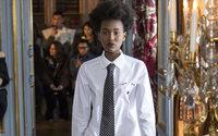 Paris Fashion Week : les femmes portent la cravate