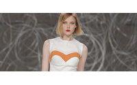 Designer de moda Carlos Gil apresenta coleção a 12 de novembro na Polónia
