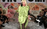 Blondie backs experimental eco-fashion in London show