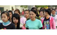 Camboja aconselha trabalhadores do têxtil a serem menos exigentes com salários